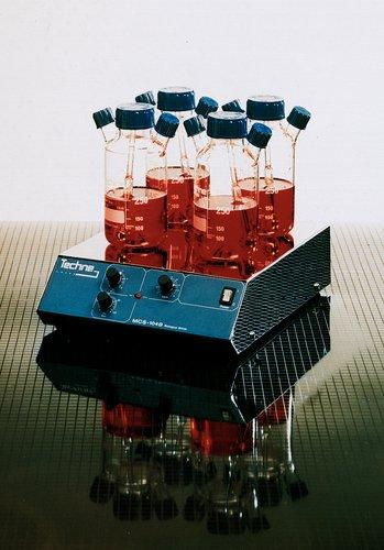 Techne 6027607 Borosilicate Glass Tissue Culture Vessel with Rod 205cm Height 10cm Diameter 500ml Flask Size 1L Filled Volume
