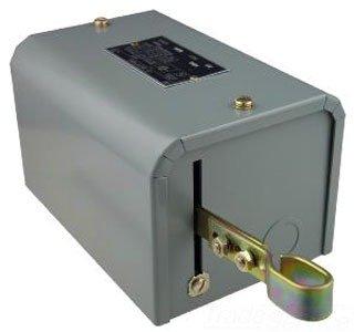 Square D 9038 Open Tank Mechanical Alternator NEMA 1 Contacts Close on Rise Compensating Spring Single-Pole Alarm Circuit