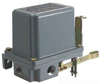 Square D 9038 Open Tank Mechanical Alternator NEMA 4 Contacts Close on Rise Two-Level Non-Alternating Unit Single-Pole Alarm Circuit